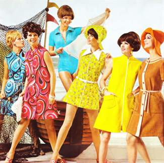the major changes in women clothing styles and fashion in the 60s After world war ii ended, up until the mid-1950's trends in women's fashion changed again round-neck styles on sleeveless shirts or long sleeve shirts were popular, as well as polo-necks dolman sleeves dominated fashionable tops in the fifties and sixties, too the 1960s brought ethnic print blouses, ribbed turtleneck sweaters and boat-neck tops into mainstream clothing and, shirts for men and women often featured wild patterns.