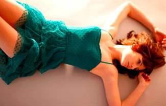 бирюзовое платье, платье бирюзового цвета, бирюзовое платье в пол, бирюзовое вечернее платье, вечернее платье бирюзового цвета, бирюзовое коктейльное платье, бирюзовое летнее платье, шифоновое бирюзовое платье, бирюзовое кружевное платье, с чем носить бирюзовое платье, аксессуары к бирюзовому платью
