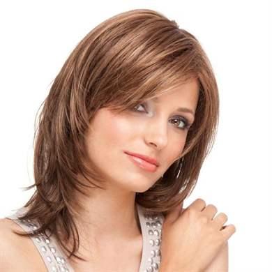 Причёска перьями на средние волосы