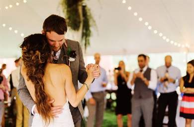 Медляк на свадьбу молодым