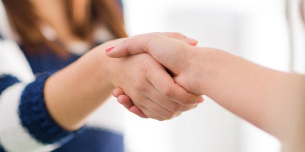 Картинки по запросу руки держат друг друга