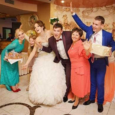 знакомство с гостями на свадьбах юбилеях