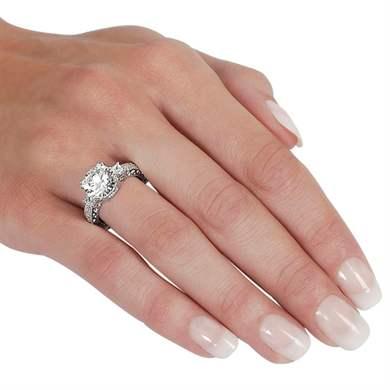 На какой руке вдовы носят обручальное кольцо