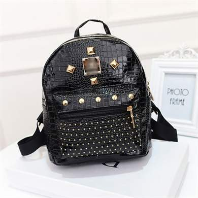 af0dd6396fec Прошли те времена, когда рюкзак был лишь туристическим атрибутом. Сегодня  данный модный элемент используется для создания как повседневного, так и  делового ...