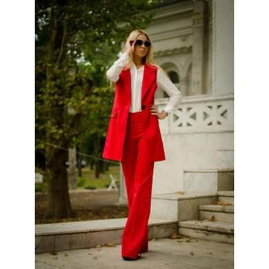 Фото женских костюмов с широкими брюками