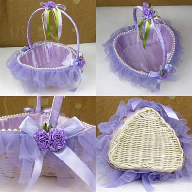 Как украсить свадебные корзины своими руками 10