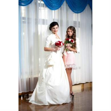 03d3b2980ce Очень трудно выбрать подходящее платье для свидетельницы на свадьбу