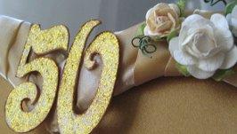Сценарий золотой свадьбы: советы по организации торжества в кругу семьи