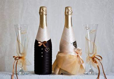 Как украсить бутылку шампанского на свадьбу