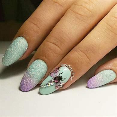 Дизайн стрекоза на ногтях