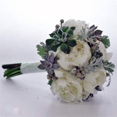 Свадебный букет из анемонов - простота полей