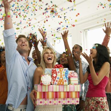 Проведение праздников и поздравления 273