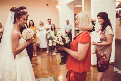 Тосты на свадьбе от родителей невесты: наставления молодым