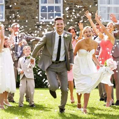 Конкурсы на свадьбу за столом: смешные и прикольные идеи