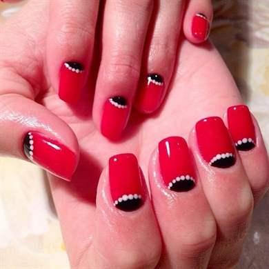Дизайн ногтей гель красный с черным