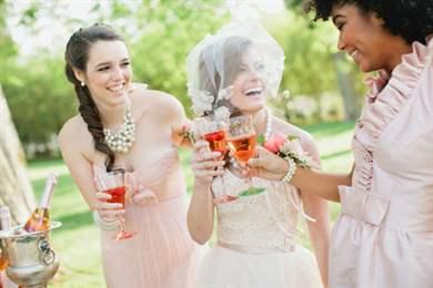 Красивое поздравление на свадьбу для свидетельницы
