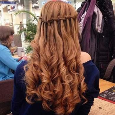 Прически на последний звонок на длинные волосы с распущенными волосами