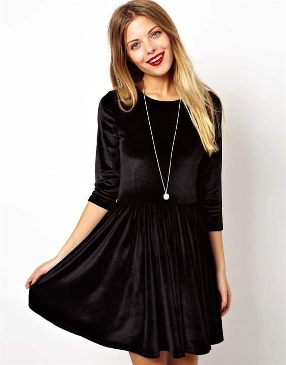Черное платье бархатное