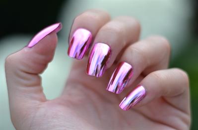 Фото зеркальный блеск на ногтях