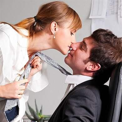 девушка соблазнила женатого мужчину