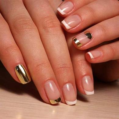 Металлический френч на ногтях