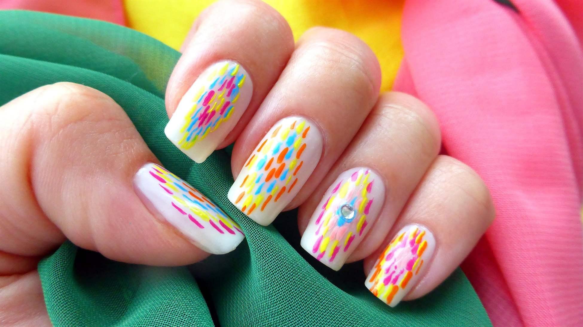 Летний дизайн ногтей, яркий летний маникюр с цветами 29