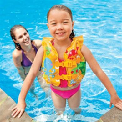 Как защитить ребенка от солнца на пляже: основные советы мамам