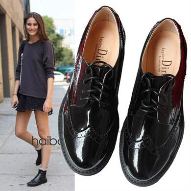 Черные лаковые женские ботинки с чем носить