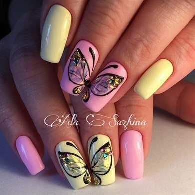 Фото маникюра с дизайном бабочки
