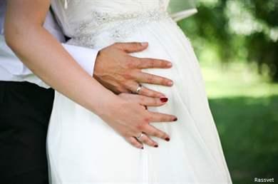 Невеста на свадьбе сказала что беременна 11