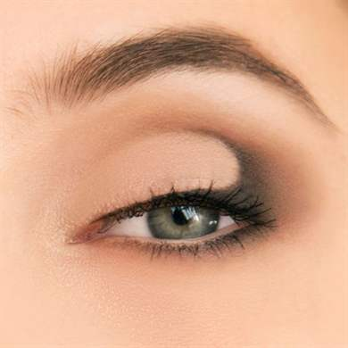 Петля в макияже глаз