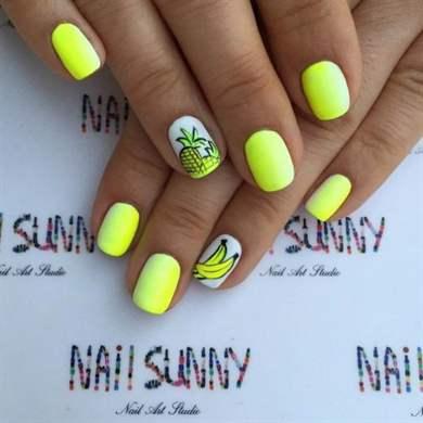 82Морской яркий дизайн на ногтях фото