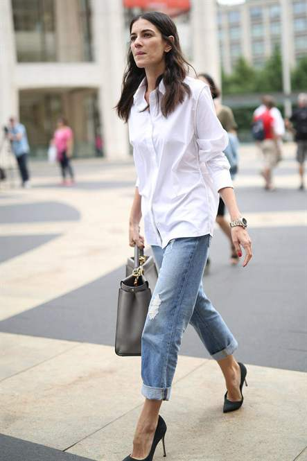 Також часто звертаються до такої форми як «скинни» - джинси облягаючого  покрою. 3899ab04769a9