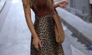 С чем носить леопардовую юбку уверенным в себе женщинам: советы стилистов