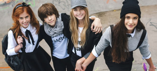 Школьная мода 2019 для юных представительниц прекрасного пола