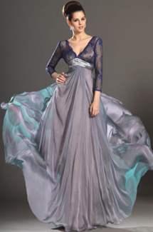 a4dcb02cf49e5bc Модели длинных платьев могут быть с пышной или облегающей юбкой, с декольте  или открытой спиной, с отделкой из кружева, со шлейфом, с разрезом на юбке,  ...