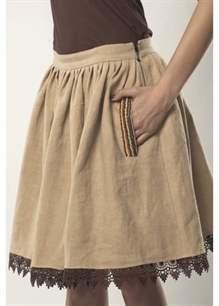 51f197dd73a35f6 Поэтому сегодня мы поговорим о том, с чем носить льняную юбку, какие  особенности этого вида одежды и какие основные модели в моде.