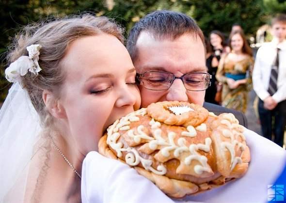 старинное фото встреча караваем молодоженов хлеб соль черпаем порно