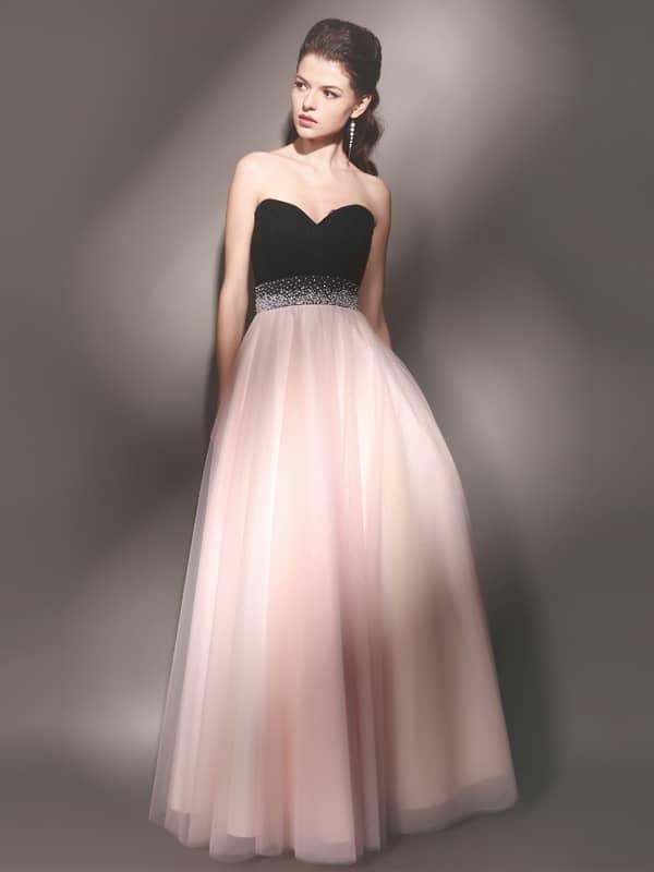 305fdf2ee53 Как подобрать туфли к розовому платью  стильный образ 2017 года
