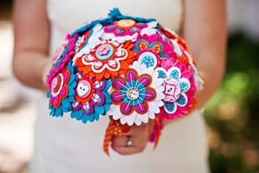 button_bouquet Свадебный букет невесты из фетра – новый тренд
