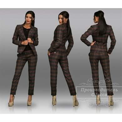 c884774e180 Туфли-лодочки и пара стильных аксессуаров завершит образ. Вместо светлых  рубашек и блузок вполне можно использовать черную водолазку. В таком случае в  образ ...