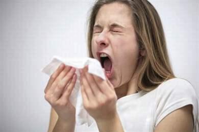 Как защитить малыша от простуды если мама заболела