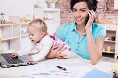 Работа в декретном отпуске: можно ли работать во время больничного по беременности и родам, возможна ли отсрочка декрета