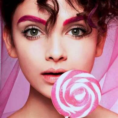 Чем покрасить брови в яркий цвет